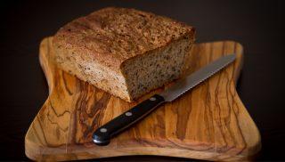 Çörekotlu ve Bademli Ekmek