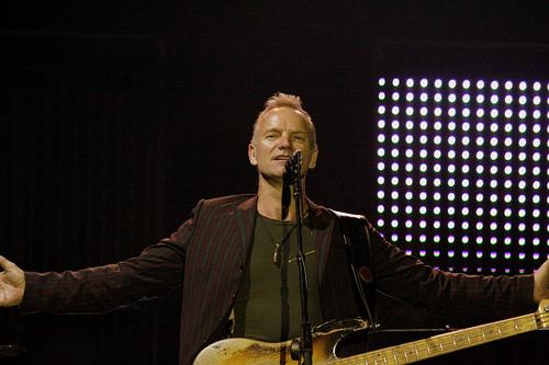 Boğaz manzarası eşliğinde Sting konseri