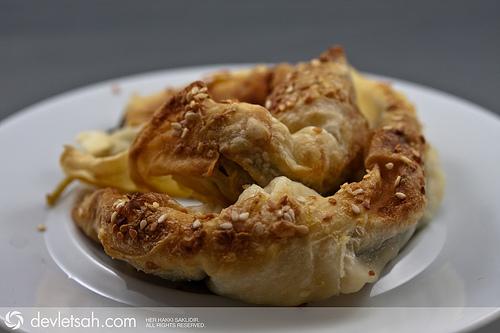 ıspanaklı Yoğurtlu Börek