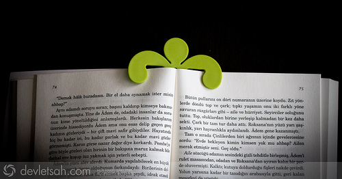 Küçük Kitap Tutucu